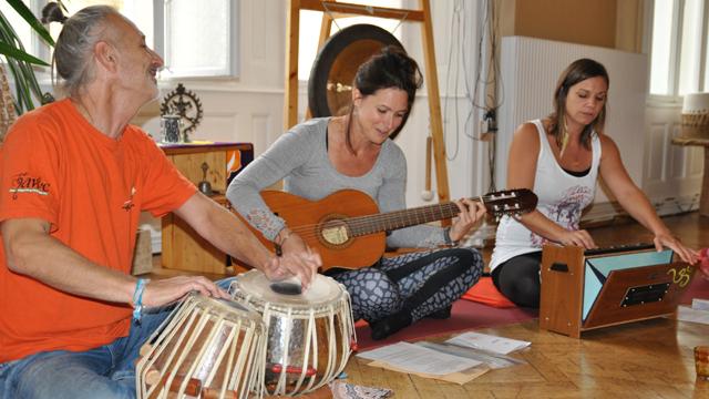 mantra singen satsang meditation natural high. Black Bedroom Furniture Sets. Home Design Ideas